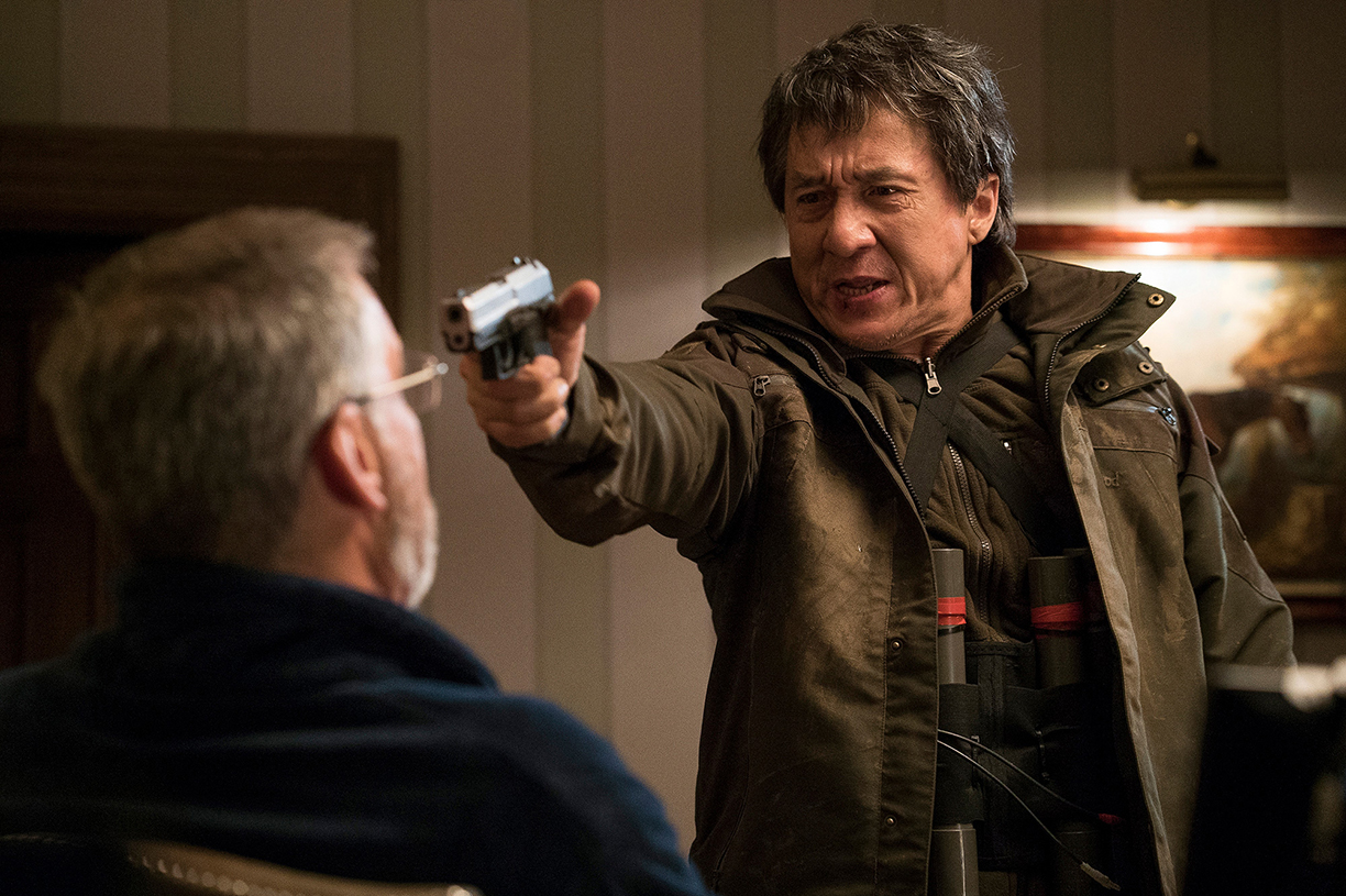 chris-raphael-sony-alpha-7SII-actor-threatens-a-man-with-a-gun-pointed-in-his-face.jpg